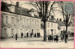 77 PONTHIERRY - La Poste - Très Animée, Facteurs - Saint Fargeau Ponthierry