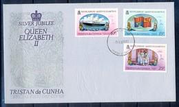 J522- Tristan Da Cunha 1977. 25th Anniv. Of The Reign Of Queen Elizabeth II, Ships. Flag. - Tristan Da Cunha