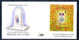 J547- Tristan Da Cunha 1995. 50th Anniversary Of The End Of World War II. Flag. Medal. Flowers. - Tristan Da Cunha