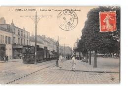 CPA 92 Bourg La Reine Station Et Place Condorcet Et Le Tramway Ligne De Paris Arpajon - Bourg La Reine
