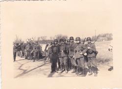 Très Rare  Photo Soldats En Campagne à  Quend-plage Dans La Sommes 1940 Chevaux Et Charette - 1939-45