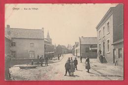Oreye - Rue Du Village ... Belle Animation  ( Voir Verso ) - Oreye