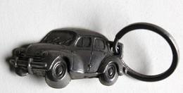 Porté Clefs Renault 4cv 1946 Garage Corvée Bouteloup Céaucé Belle Voiture Ancienne - Porte-clefs