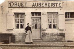 V10146 Cpa à Identifier - Druet Aubergiste - Postales