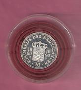 NEDERLAND SILVER MEDAL 1990 BEATRIX 10 YEAR QUEEN - Pièces écrasées (Elongated Coins)
