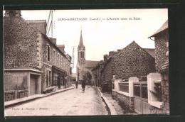 CPA Sens-de-Bretagne, L'arrivée Route De Feins, Radfahrer - Frankreich