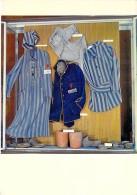 MILITARIA - Camp De Concentration Allemand Du STRUTHOF ( Musée ) Vêtements De Détenus Et Urnes - CPSM GF - - Militaria