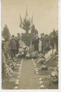 PRIVAS - Belle Carte Photo Fleurs Déposées Au Pied Du Monument Ornant La Tombe Des Soldats Morts à Privas -01-11-1916 - Privas