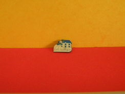 Collection Pin's > Administrations > École Publique - Administrations