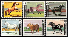 02053 Bulgaria 3373/78 Raças De Cavalos NNN - Unused Stamps