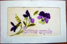 CARTE BRODEE VIOLETTE BONNE ANNEE BON ETAT - Cartes Postales