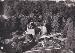 CPSM Dentelée En NB  De  VALLIERES  (23)  -  Vue Aérienne - Château De La Villeneuve, Propr. M. Barbin  //  TBE - France