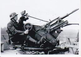 Foto Deutscher Soldat Mit Flak - 2. WK - 9*6cm - Repro (29180) - Repro's