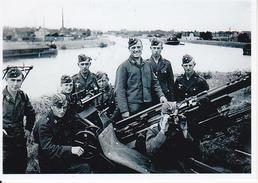 Foto Deutsche Soldaten Mit Flak - 2. WK - 9*6cm - Repro (29181) - Repro's