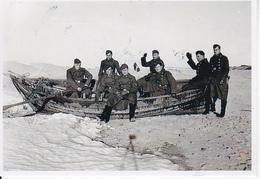 Foto Deutsche Soldaten Mit Ruderboot - 2. WK - 9*6cm - Repro (29188) - Repro's