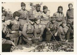 Foto Russische Soldaten Bei Befehlsausgabe - 2. WK - 9*6cm - Repro (29194) - Repro's