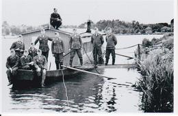 Foto Deutsche Soldaten Auf Hausboot - 2. WK - 9*6cm - Repro (29204) - Repro's