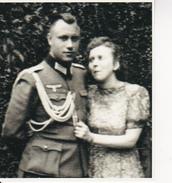 Foto Deutscher Soldat Mit Frau - 2. WK - 9*8cm - Repro (29213) - Repro's