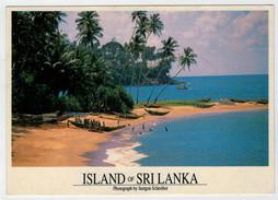 ISLAND  OF  SRILANKA    BEACH  AT  BERUWELA      MAXICARD    2 SCAN    (VIAGGIATA) - Sri Lanka (Ceylon)