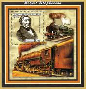 Mocambique  Block 2  Stephenson Dampflokomotive  ** / MNH - Trains