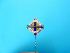 IRISH FOOTBALL ASSOCIATION Old Enamel Pin Badge * NORTHERN IRELAND * Fussball Calcio Anstecknadel Distintivo Federation - Football