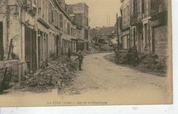LA FERE  Rue De La République - France