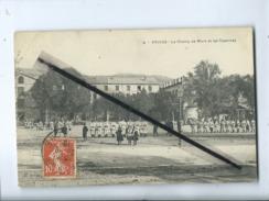 CPA    -  Privas  - Le Champ De Mars Et Les Casernes  (militaire , Soldat ) - Privas