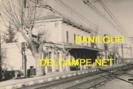 30 // AIGUES VIVES   La Gare, Vue Partielle   CPSM PETIT FORMAT - Aigues-Vives