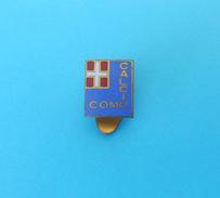 CALCIO COMO FC Italy Football Soccer Club Old Enamel Buttonhole Pin Badge Fussball Calcio Distintivo Anstecknadel Italia - Football