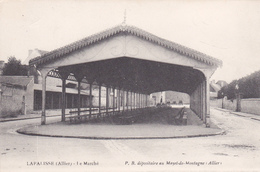 CPA LAPALISSE. LE MARCHÉ - Lapalisse
