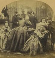 Stéréo 1860-70. Scène De Genre. Bourgeois Conversant. Jeune Femme Se Servant D'un Visionneuse Stéréoscopique. - Stereoscopio