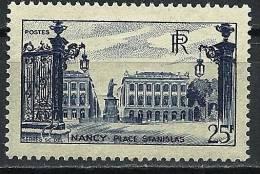 """FR YT 822 """" Place Stanislas à Nancy 25F. Bleu """" 1948 Neuf** - France"""