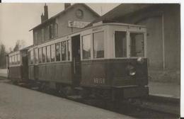 Belle Photo - Gros Plan Train En Gare De Magny En Vexin  - Val D'oise - Eisenbahnen