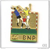 Pin´s Banque / Assurance - Banque BNP / ASC Paris - Section Handball. Estampillé Ballard. Zamac. T457-01 - Banques
