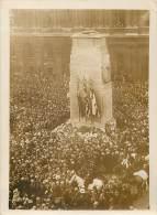 LONDRES FETE DE L'ANNIVERSAIRE DE L'ARMISTICE LA FOULE DEVANT LE MONUMENT AUX MORTS - War, Military
