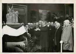 LA MAQUETTE DU MONUMENT ALEXANDRE 1ER DE SERBIE PRESENTE PAR MAXIME REAL DEL SARTE 9/10/1934 - Célébrités