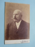 HOMME / MAN ( CABINET Photo L. GILLARD Delvaux Liège ) See Photo For Details !! - Personnes Anonymes