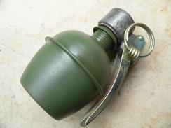 Grenade OF X 37 Neutralisée - Armes Neutralisées