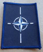 Ecusson Insigne Tissu Patch -  KFOR  -  OPEX OTAN  En KOSOVO - Ecussons Tissu