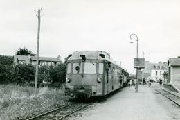 Etables-sur-Mer. Chemins De Fer Des Côtes Du Nord. Photo Jacques Bazin. 2 Août 1956 - Trains