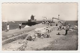 11 Port La Nouvelle N°105.47 L'Estuaire Du Canal Et La Jetée En 1960 Bateau Cargo Plongeoir Phare - Port La Nouvelle
