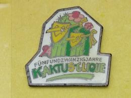 PIN 44 - FESTE, KAKTUS CLIQUE, MASK - Pin's & Anstecknadeln