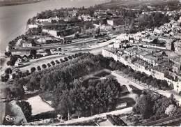 33 - BLAYE : Vue Aérienne : Le Jardin Public Et La Citadelle - CPSM Dentelée Noir Blanc GF Posté 1957 - Gironde - Blaye