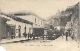 38. VIENNE. N 26.   LA GARE AVEC TRAIN  AN 1902. - Vienne