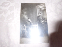 CARTE PHOTO ..FEMMES ? MILITAIRES...A IDENTIFIER - Characters