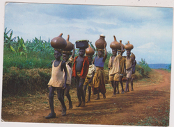 AFRIQUE,AFRICA,RWANDA,RUANDA,ROUANDA,TRANSPORT D'EAU EN FAMILLE - Rwanda
