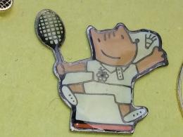 PIN 43 -TENNIS,  BADMINTON, Barcelona 1992 Olympic Games - Cobi Mascot Playing Badminton - Badminton