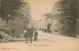 13 - Arles - L' Entrée De La Ville - Arles