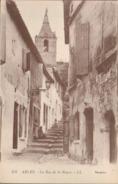 13 - Arles - La Rue De La Roque - Arles