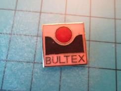 Pin1016c Pin's Pins / MARQUES : MATELAS BULTEX , Belle Qualité !!!    Marquage Au Dos : ---- - Trademarks